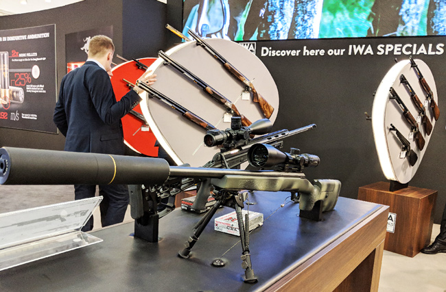 Browning Blog : IWA Limited Edition- X-Bolt Target Mc Millan